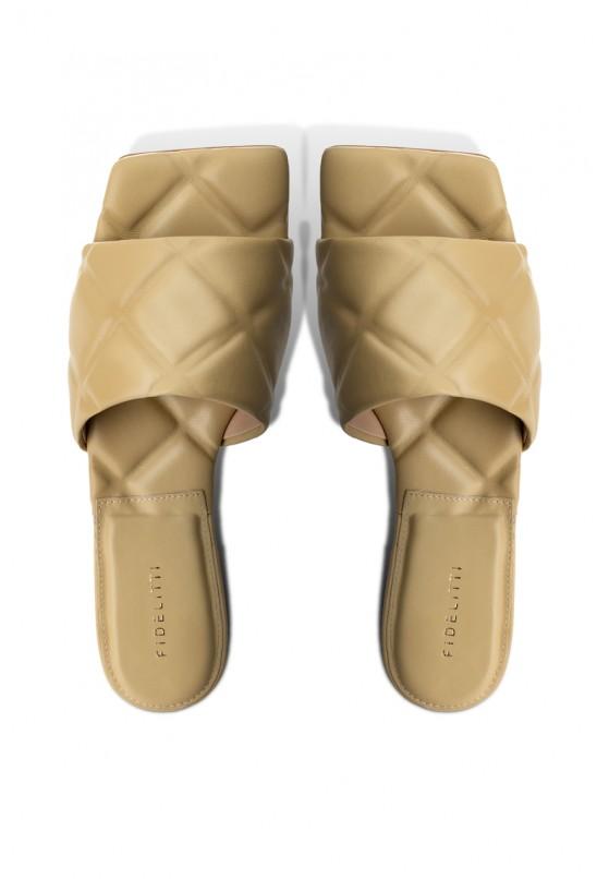 Шлёпанцы кожаные женские Fidelitti